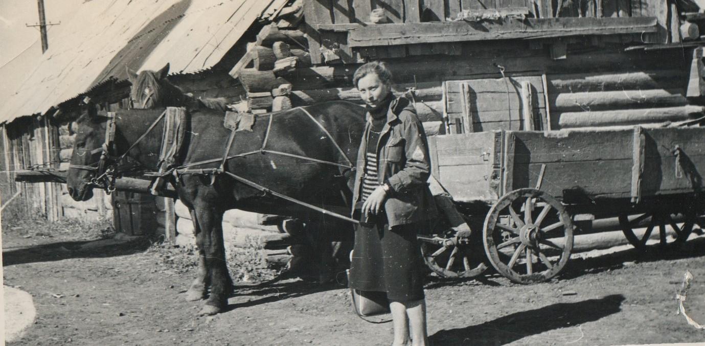 Е.Ф. Фурсова в составе Алтайского этнографического отряда, 1978 г.
